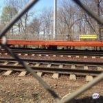 Слушала музыку: трагедия произошла на железной дороге
