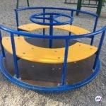 Прохожие не помогли: чудовищный инцидент произошел на детской площадке