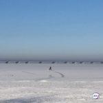 Спасатели нашли ушедший под лед автомобиль. Внутри - рыбак