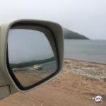 «Не ожидали»: автомобили «атакуют» на популярном в Приморье пляже