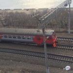 Движения поездов нет: камнепад обрушился на железную дорогу в России