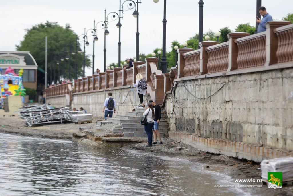 После инцидента с вандалами Набережную Владивостока отремонтируют