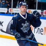 Хоккейный клуб «Адмирал» заключил соглашение с  Владимиром Бутузовым
