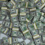 Молодой безработный лишился 80 тысяч долларов