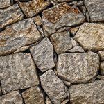 Без еды и воды: чудо помогло выжить мужчине, придавленному камнями