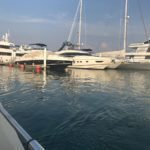 Яхта пошла на дно: столкновение произошло возле острова Елены
