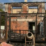 В пригороде Владивостока массово горят дачи: кому это нужно?