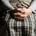 Поступила с болями в животе: живую пенсионерку отправили в морг