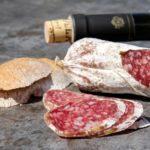 «Люкс» оказался пустышкой: как производитель колбасы покупателей обманул