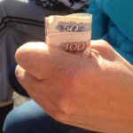 «Прикольные» пенсии: почтальон нашла способ обмануть стариков