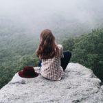 Чертов палец: туристы покорили гору, но  уцелели не все