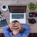 Не работа – тоска: россияне назвали самые скучные профессии