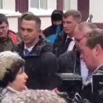 """""""Крик души"""": вставшая наколени перед Медведевым рассказала, как ее унизили"""