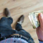 На тысячи долларов: люди получили баснословные счета за электричество