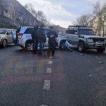 Автолюбители не смогли нормально разъехаться в городе