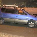 Житель Владивостока попал под колеса автомобиля