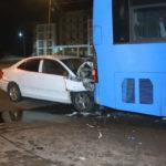 Автомобилист врезался в рейсовый автобус на трассе