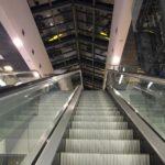 Дети упали с эскалатора в торговом центре