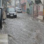 Из-за наводнения в Индонезии погибли десятки человек