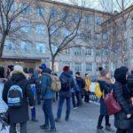 «Если вы не заплатите, все школы взлетят на воздух»: занятия сорваны террористами