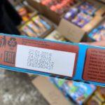 """""""Травят покупателей"""": на улицах торгуют просрочкой (видео)"""