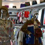 Невыгодно: в России закроются магазины дешевой одежды