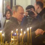 Путин внес поправку о Боге в законопроект о Конституции