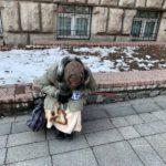 Схема стара как мир: сотрудница банка спасла пенсионерку