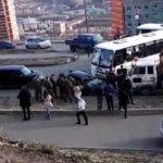 «Как так можно было?»: мощное «лобовое» автобуса привлекло десятки людей