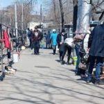 """""""И покупают же там что-то"""": россияне на барахолке взбесили пользователей соцсетей"""