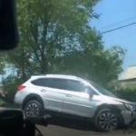 И снова в столб: два легковых авто не поделили дорогу в Артеме