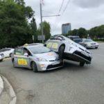 Непроглядную пробку спровоцировали таксисты