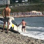 «Весь трясся непонятно от чего»: неадекватный таксист натворил дел на пляже