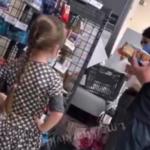 Не купили «Киндер-сюрприз»: девочка устроила в магазине невообразимое
