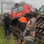 Машинист уснул? Жесткое столкновение произошло на железной дороге