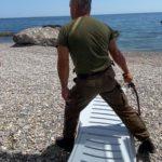 Пропускная система - жесть: охранник гонял отдыхающих плетью на пляже