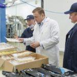 Внимание и поддержка: губернатор и правительство посетили завод «Доброфлота»
