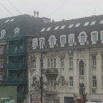 «Никому нет дела»: дети бегают по крышам в центре