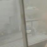 «Пламя вырывается. Дыма много»: известная гостиница объята огнем