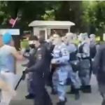 Десантники против росгвардейцев: массовую драку устроили в День ВДВ