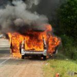 «Кошмар какой-то»:  машина взорвалась на трассе - «сгорела в секунды»