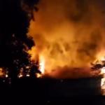 Пока ты спал: мощный пожар на одной из улиц города сняли на видео