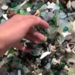 «Бухта Стеклянная все?»: видео с популярного пляжа заставило понервничать многих,  а зря