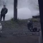 «Там водопад, без горячей воды будем»:  во Владивостоке порвало теплотрассу