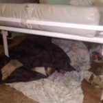 Оставляют умирать прямо на полу: ужасы районной больницы запечатлели очевидцы