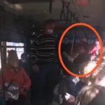 «Вот это шоу, боевая старушка»: скандал  в автобусе сняли на  видео