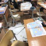 Прямо во время занятий: потолок школы рухнул на учеников