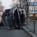 «Жестко в салон леера вошли»: серьезное ДТП произошло утром во Владивостоке