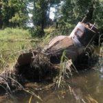 «Похоже на самодельную подводную лодку»: странный предмет вынесло наводнением