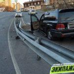 «Сейчас все порешают»: пьяный водитель разбил джип и кинулся на сотрудников ДПС
